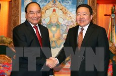 Thủ tướng Nguyễn Xuân Phúc hội kiến với Tổng thống Mông Cổ