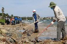 Trung ương Đoàn tổ chức ra quân chiến dịch hãy làm sạch biển