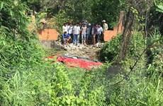 Đồng Nai: Ôtô mất lái lao xuống suối khiến 7 người thương vong