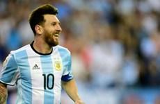 Messi đồng ý trở lại thi đấu cho Đội tuyển Quốc gia Argentina