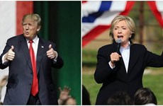 Bà Clinton và ông Trump tranh cãi về vấn đề thuế và an ninh quốc gia