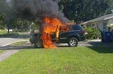 Note 7 phát nổ thiêu trụi một xe jeep và một gara ở Mỹ