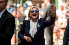 """Bà Hillary Clinton tuyên bố trở lại """"đường đua"""" trong vài ngày tới"""