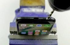 """""""Choáng"""" với màn khoan chế jack tai nghe 3,5mm trên iPhone 7"""