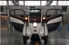 """Toyota i-Road - mẫu xe cho """"giải pháp di động đô thị"""" tương lai"""
