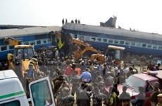 Số người chết trong vụ tai nạn tàu hỏa ở Ấn Độ lên 120 người