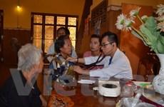 Nghĩa tình Việt Nam với kiều bào và người dân nghèo Campuchia