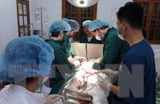 Truyền 16 đơn vị máu, phẫu thuật cứu sống bệnh nhân bị thủng phổi