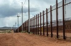 Ông Trump đổi kế hoạch, muốn dân Mỹ chi tiền xây tường ngăn Mexico