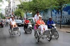 Bộ Chính trị ra nghị quyết phát triển du lịch thành kinh tế mũi nhọn