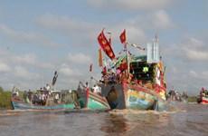 Hàng nghìn lượt người tham gia Lễ hội Nghinh Ông truyền thống