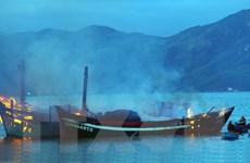 Vụ nổ tàu cá ở Bà Rịa-Vũng Tàu: Đưa các nạn nhân về đất liền cấp cứu