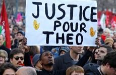 Biểu tình phản đối các chính trị gia tham nhũng tại Pháp