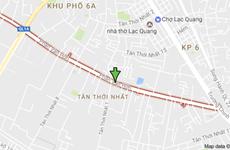 Cần cẩu đổ sập dãy nhà trọ làm hai người bị thương ở TPHCM