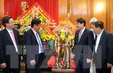 Nghệ An tiếp nhận mẫu tượng Nguyễn Tất Thành-Nguyễn Sinh Sắc