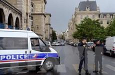Tấn công bên ngoài nhà thờ ở Paris: Thủ phạm tự nhận là chiến binh IS