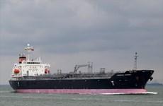 Vụ tàu nước ngoài bị mắc cạn: Nỗ lực ngăn gần 300 tấn dầu tràn ra biển