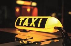 """Bạc Liêu thưởng """"nóng"""" tài xế hỗ trợ sản phụ sinh con trên xe taxi"""