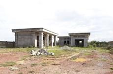 Dân khát bên công trình nước sạch hàng chục tỷ bỏ hoang