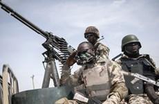 Anh hỗ trợ tài chính cho Nigeria chống phiến quân Boko Haram