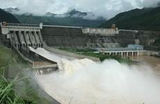 Nước sông Hồng lên cao, thủy điện Sơn La, Hòa Bình mở cửa xả đáy