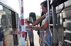 Tài xế tiếp tục dùng tiền lẻ qua trạm thu phí đường tránh Biên Hòa
