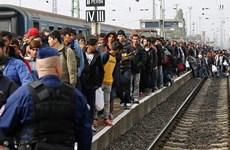 Séc điều hơn 1.000 cảnh sát ra nước ngoài kiểm soát dòng người tị nạn