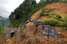 Tỉnh lộ 174 vẫn bị đất đá vùi lấp, vùng cao Trạm Tấu chưa hết cô lập