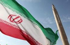 Iran lần đầu tiên công khai hạn chế chương trình tên lửa