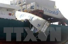 Hai tàu container va chạm, nhiều container rơi xuống sông Đồng Nai
