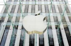 iPhone giúp Apple trở thành công ty có giá trị tới 900 tỷ USD