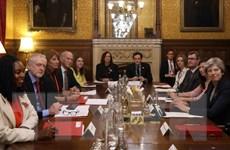 Lãnh đạo các đảng tại Anh hợp tác đối phó bê bối tình dục