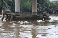 Tiền Giang: Sà lan bị bục nước, hai vợ chồng trẻ chết thảm