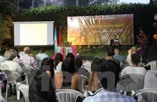 Cộng đồng người Việt tại nhiều nước tổ chức gặp mặt mừng Xuân