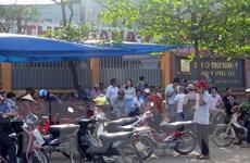 Đà Nẵng: Người dân tụ tập yêu cầu di dời nhà máy thép gây ô nhiễm