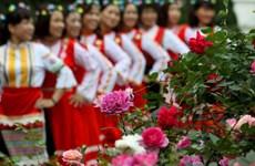 Hàng nghìn người tham dự Ngày hội hoa hồng Bulgaria và bạn bè