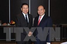 Thủ tướng Chính phủ Nguyễn Xuân Phúc gặp Thủ tướng Chính phủ Lào