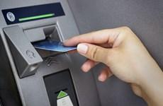 Hai đối tượng làm giả thẻ ATM để rút tiền, bị phạt tổng cộng 7 năm tù