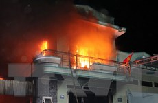 [Video] Cháy lớn thiêu rụi kho hàng điện máy ở Ninh Thuận