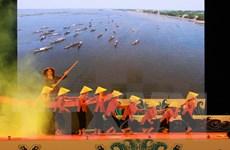 """Lễ hội """"Sóng nước Tam Giang"""" thu hút hàng vạn người tham gia"""