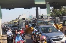 Ùn tắc giao thông kéo dài gần 5km, BOT Rạch Miễu phải xả trạm