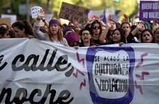 Tây Ban Nha: Biểu tình phản đối xử nhẹ nhóm cưỡng hiếp một thiếu nữ