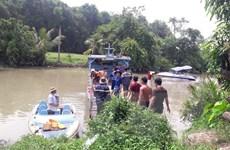 Tìm thấy thi thể 2 nạn nhân vụ lật sà lan trên sông Đồng Nai