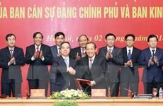 Ban Cán sự đảng Chính phủ và Ban Kinh tế TW ký phối hợp công tác