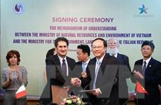 Việt Nam-Italy ký kết hợp tác lĩnh vực môi trường, biến đổi khí hậu