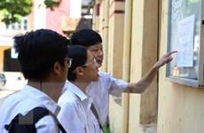 Gần 95.000 thí sinh Hà Nội thi vào lớp 10 tập trung làm thủ tục thi