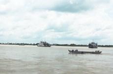 Vụ cano va chạm sà lan trên sông Hậu: Tìm thấy thi thể cán bộ công an