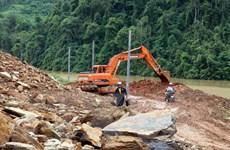 Nỗ lực thông đường sau mưa lũ ở huyện biên giới Mường Tè