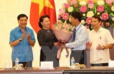 Chủ tịch Quốc hội gặp mặt 70 công nhân, lao động tiêu biểu xuất sắc