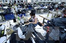 Tăng lương tối thiểu vùng: Người lao động và doanh nghiệp cùng kêu khó